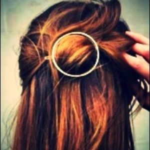 🆕 Barrette-Hair Pin, Gold Tone, Circle shape